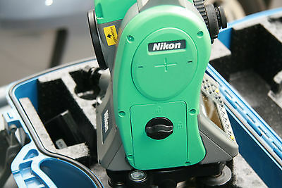 "Nikon Nivo 5.M  5"" Reflectorless Total Station Survey leica Sokkia + custom case"