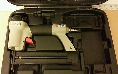 L@@K! Porter Cable BN125A 18-Gauge Brad Nailer with Case