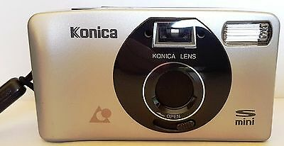 Vintage 1996 KONICA S MINI 35mm Film / Flash Camera with Carry Case