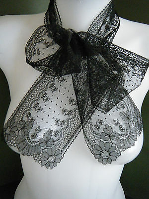 Antique Chantilly lace Victorian time mournning lappet scarf  France