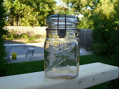 Vintage Queen Wide Mouth Adjustable Made In Canada Pint Fruit Jar