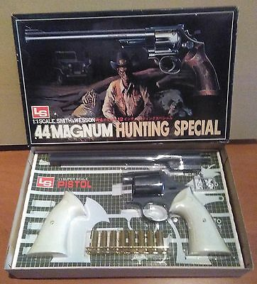 LS .44 Magnum Hunting Special modelo Kit plástico 1/1