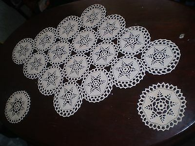 Beautiful Vintage Handmade lace tablecloth-100-cotton+2 tablecloth mini