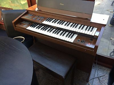 YAMAHA ELECTONE FC-10 Electronic ORGAN  With stool keyboard Piano And Book