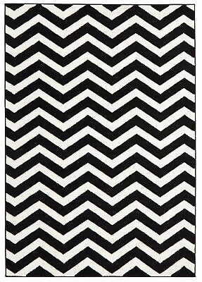 NEW Modern Chevron Design Rug Black White
