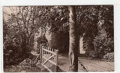 THE VALE, GIFFORD: East Lothian postcard (C4918).