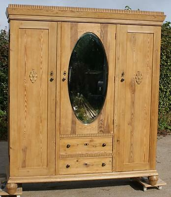 EARLY 20th CENTURY LARGE ANTIQUE DUTCH SOLID PINE ARMOIRE  WARDROBE