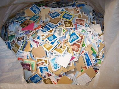 9.5kg Of British Franked Kiloware Stamps - On Paper