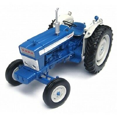 Universal Hobbies Ford 5000 Tractor. Scale 1:32  AD-UH2808