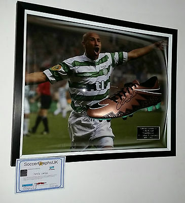 *** Rare HENRIK LARSSON OF CELTIC Signed Football Boot Display ***