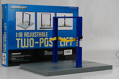 Lift Porsche Garage Diorama Post Lift variable 1:18 without Figurine/Accessorie