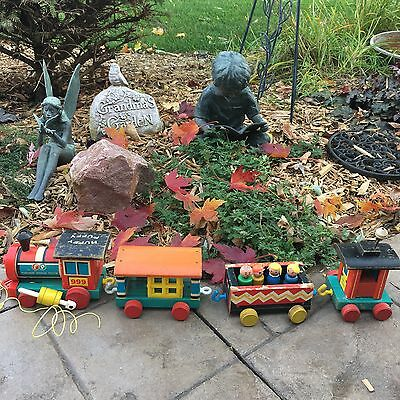 Fisher Price Huffy Puffy Train 999 Vintage 1963 w/ 4 Wooden Little People Family