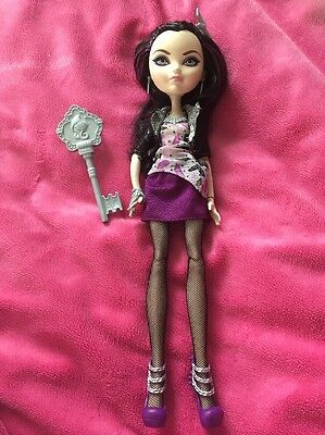 "��Ever After High ""Date Night"" Raven Queen Doll Brand New!!��"