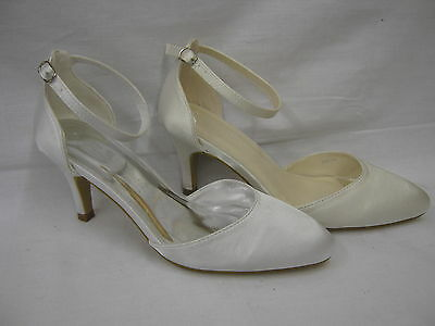 Ladies Satin Court/Wedding Shoe with Ankle Strap   9754