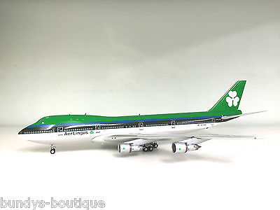 Boeing 747-200 Aer Lingus EI-ASI a Die-cast metal model with a stand in 1/200