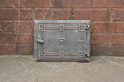 32.5 x 24.2 cm cast iron fire door clay / bread oven door / pizza stove doors