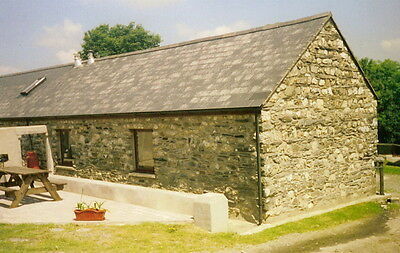 April 22nd to  April 29th Self Catering Holiday Cottage Pembs Wales Y Glowty