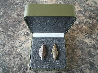 Neolithic Arrowheads x 2 in Display Case - 4000BC (Q140)