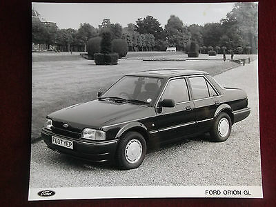 FORD ORION 1989 - 4  Press Photographs