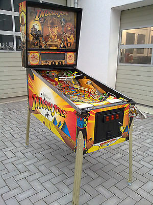 Williams Indiana Jones Pinball flipper jeux de cafe