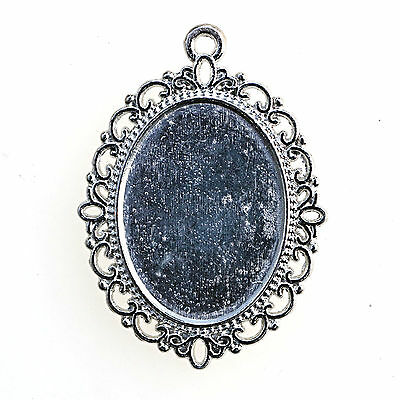 10 SILVER TONE OVAL CABOCHON PENDANT SETTINGS Tray 25 x 18mm SLIGHT SECONDS