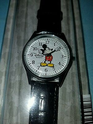 DISNEY PARKS Mickey Mouse WATCH moves hands leather band silver tone Men's NEW