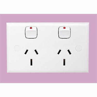 HPM 15A DOUBLE POWERPOINT SWITCH Standard Profile 240V White 114x70mm