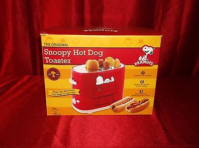 Peanuts Charlie Brown & Snoopy Electric Hot Dog Toaster For Dogs And Buns New