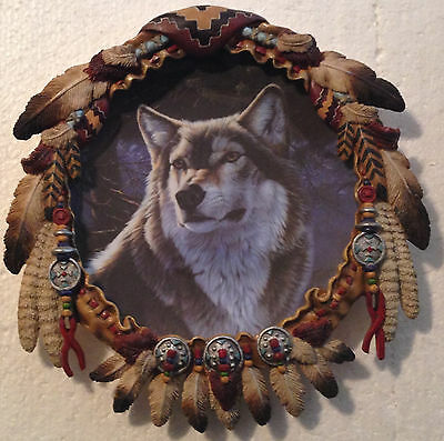 Collectable Wolf Plate - Hamilton Shield Collection - Winter Majesty
