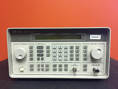 HP / Agilent 8468A + Opt 1E5, 100 kHz to 1000 MHz, Synthesized Signal Generator