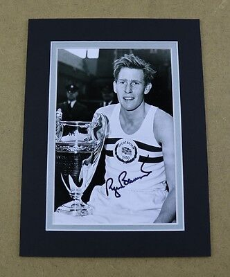 Sir Roger Bannister Signed 8x6 Photo Display 4 Minute Mile Genuine Autograph COA