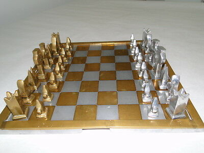 "Chess, échecs, ajedrez, designed by sculptor ""David Marshall"""