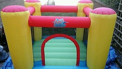 AIRFLOW BOUNCY CASTLE WITH BLOWER. ONLY USED ONCE. In Bristol