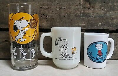 United Feature Syndicate Peanuts / Glass Lot / Snoopy / Fire King / Charlie Brow
