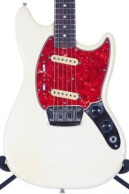 1975 Fender Duo-Sonic II Olympic White