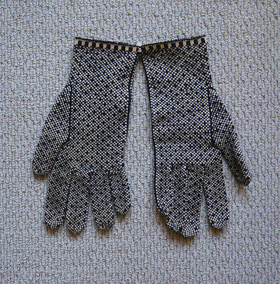 Rare Beautiful 1920s Knitted Ski Gloves .