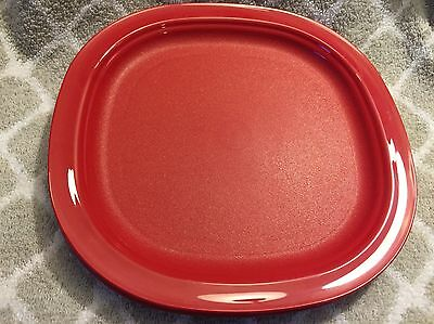 New Tupperware microwavable lunch plates- 9 inch- red - set of 4