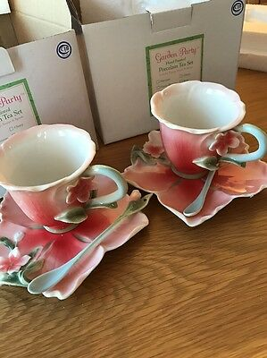 Two's Company Hand Painted Porcelain Tea Set (Hibiscus) - 2x