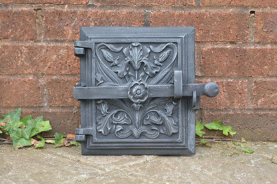 23.5 x 26.5 cm old cast iron fire bread oven door/doors /flue/clay/range/pizza