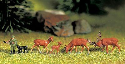 Figurines Noch N (33760): Red deer, Hunter with Dog + 4 Animals