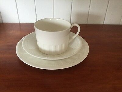 Beautiful Wedgwood Colosseum Tea Cup, Saucer And Plate