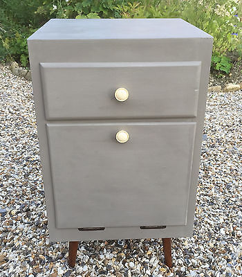 Mid 20th Century Vintage Retro Wood Cabinet 1950's or 1960's