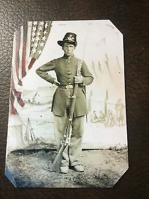 Civil War Military Soldier With Rifle & Flag TinType C675NP