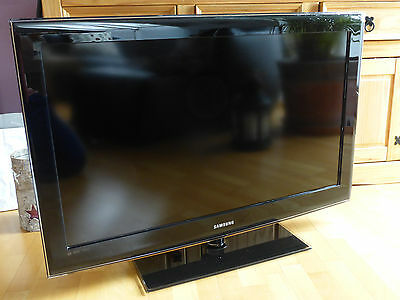 samsung le32b650 lcd fernseher 32 zoll full hd eur 101. Black Bedroom Furniture Sets. Home Design Ideas