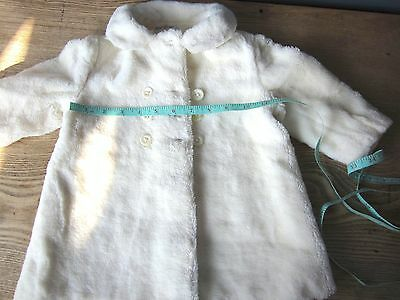 """Vintage Baby Coat White Faux Fur Mother of Pearl Buttons 1960's chest 22"""" 3yrs"""