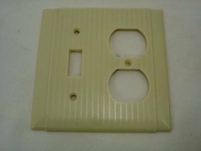 Vintage Uniline Arrow H&H Ivory Ribbed Switch and Outlet Cover Plate #3
