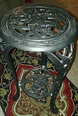 Vintage 3 Legged Cast Iron