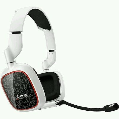 Astro A30 Gaming Headset PC/PS4/Xbox One Headset On Ear with Mic - White *NEW*