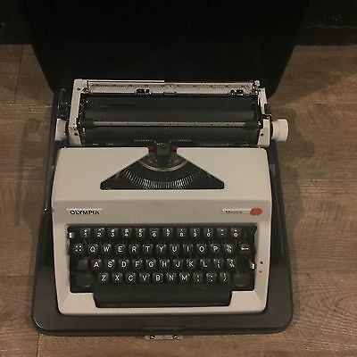 Olympia Monica ` Portable Typewriter in Carry Case! MAKE AN OFFER