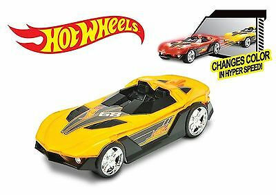 Hot Wheels LARGE So Fast Hyper Racer Lights & SFX Car Changes Colour at Speed